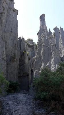 pinnacles lotr film location dimholt road